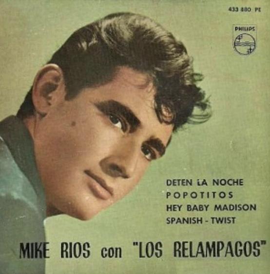 Mike Ríos con los relámpagos. ¡Explosivo!